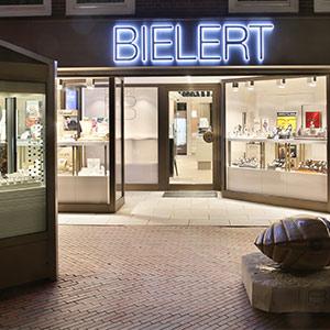 Geschäft Nachtaufname Juwelier Bielert in Niedersachsen Hannover